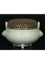 Kusube Yaichi / Incense burner (white porcelain)